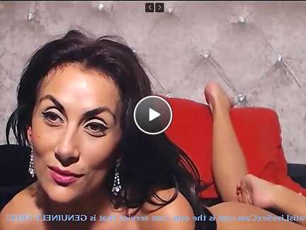 sexy milf soles video